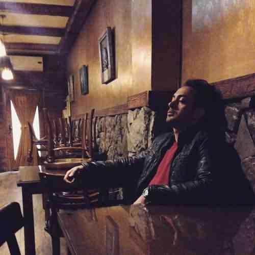 Amir Yeganeh Eshghe Royaei دانلود آهنگ امیر یگانه عشق رویایی