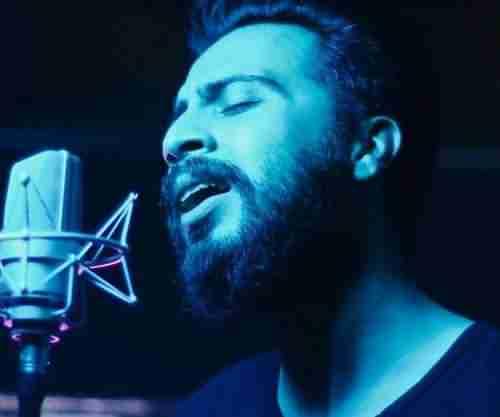 Daial Hendini Hanouz Divonehtarin Asheghe In Shahr Manam دانلود آهنگ هنوزم دیوونه ترین عاشق شهر منم دانیال هندیانی