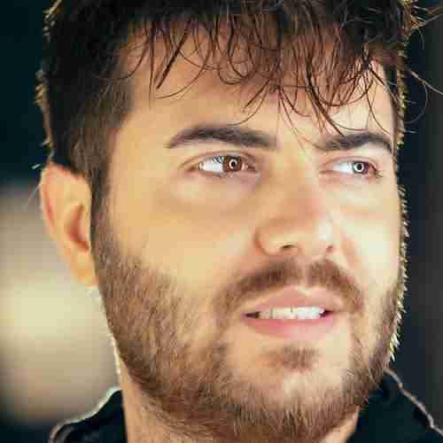 Mostafa Yeganeh Delam Eshgh Lazeme دانلود آهنگ مصطفی یگانه دلم عشق لازمه