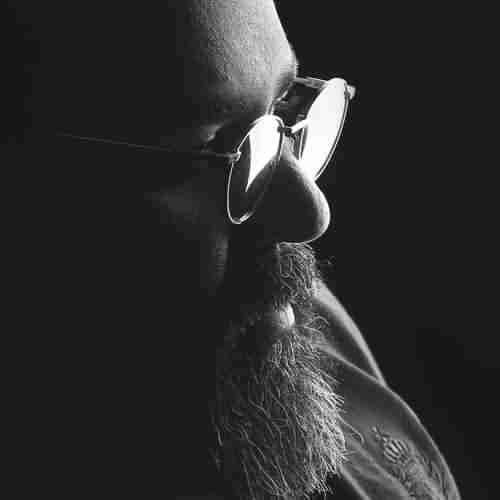 Reza Sadeghi Pore Harfam Pore Dardam دانلود آهنگ پر حرفم پر دردم عزیزم رضا صادقی