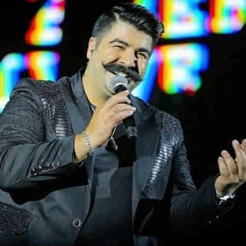 Behnam Bani Ashegho Darbedaram Toie Ghorse Ghamaram دانلود آهنگ عاشق و در به درم تویی قرص قمرم زده امشب به سرم که دلت را ببرم