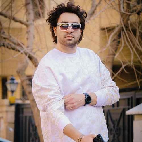 Amir Khoshnam Asre Mashroote دانلود آهنگ من حیث المجموع من مجنونم بدجور